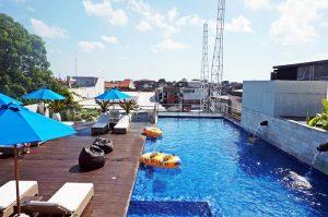 Rooftop Pool (2)